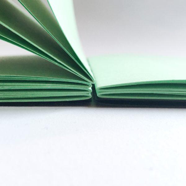 Dettaglio quaderno verde
